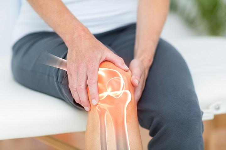 a láb az ízület oldalán fáj