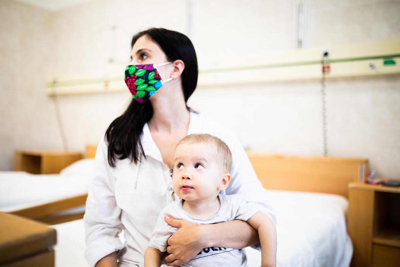 Mennyit ér egy gyerek élete? - 1,5 milliárd forintos gyógyszer okoz hatalmas dilemmát
