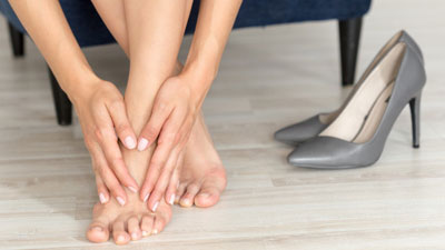 duzzadt fájó lábfej-ízület