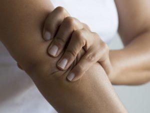 fájdalmas lábak és karok ízületei)