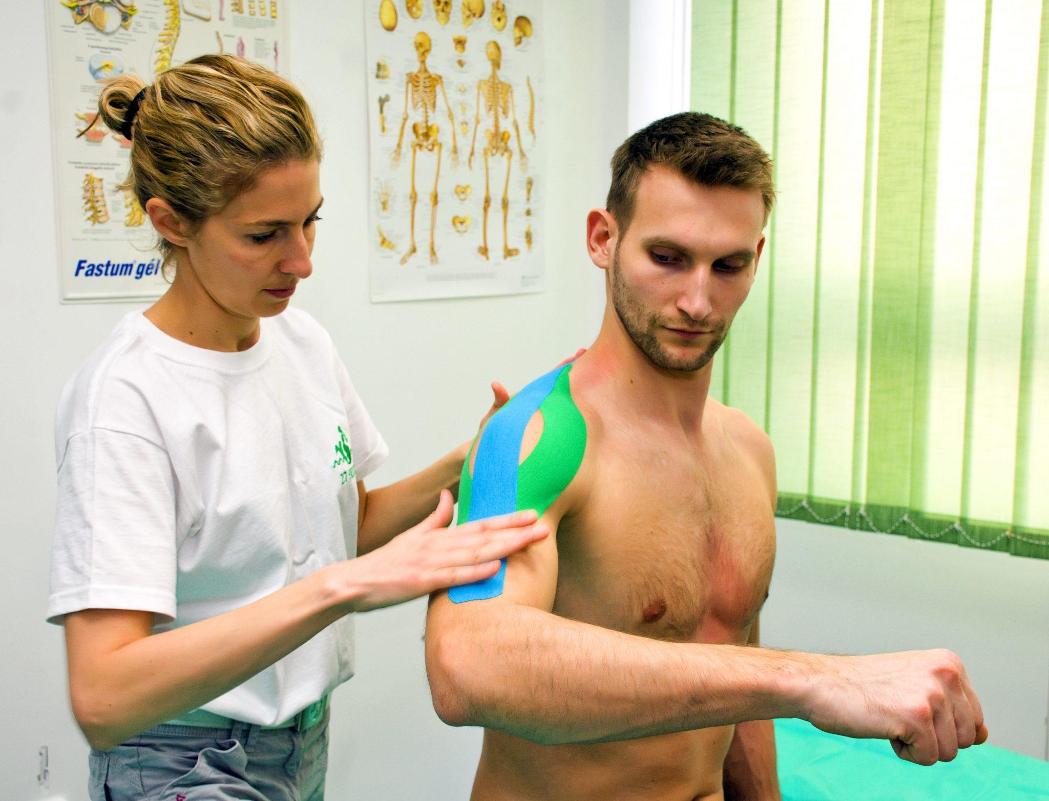 kinesiotape az ízületek és izmok fájdalmainak kezelésére
