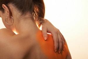 fájdalom a comb ízületeiben és az izmokban)