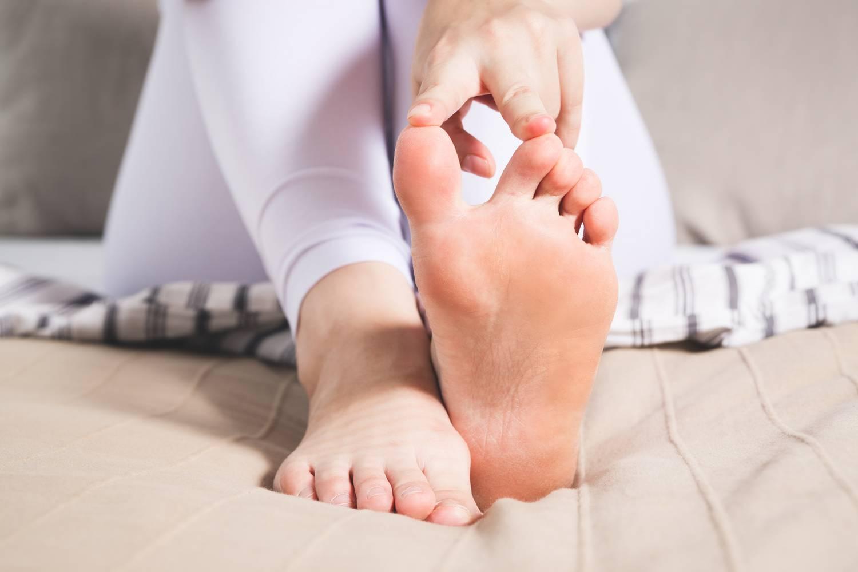 a láb és ízületek fájdalma)