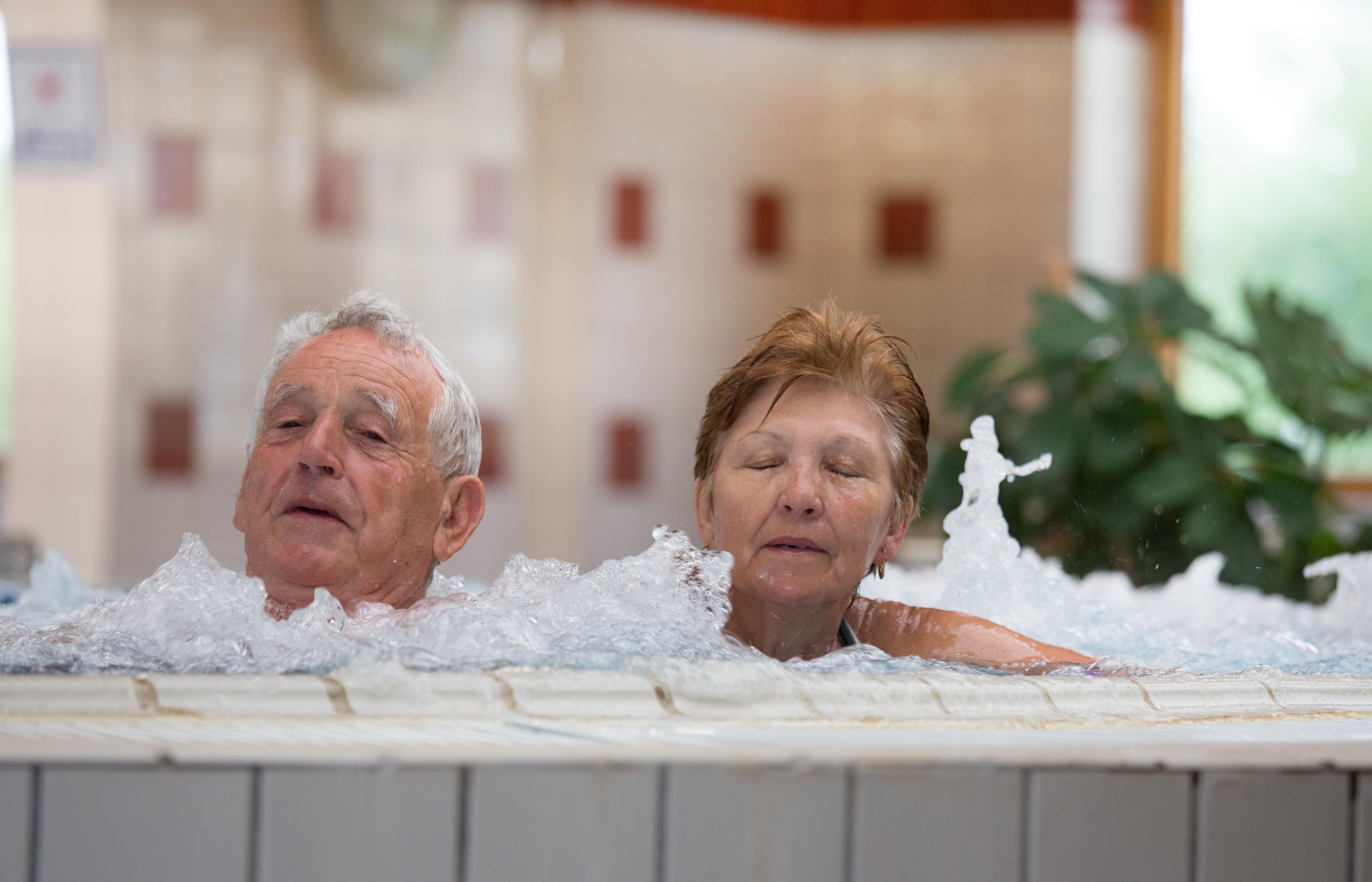 ízületek gyógyfürdő kezelése)