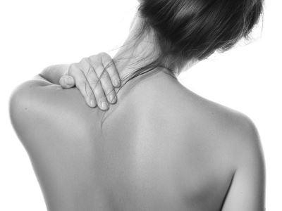 vándorló fájdalmak az ízületekben és a csontokban)