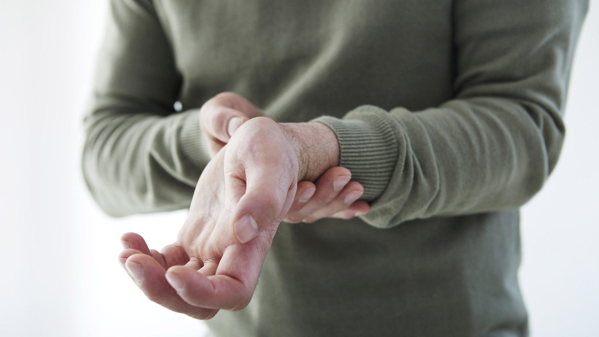 hüvelykujjízületi tünetek és kezelés