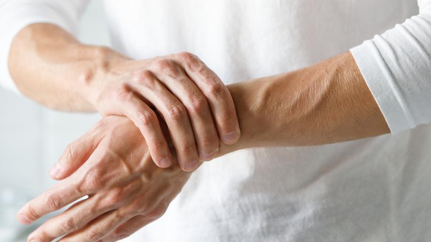 a kézízületi gyulladás komplex kezelése)