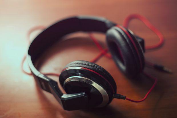 a zene gyógyítja az ízületeket fájdalom az alsó hát és a vállízületben