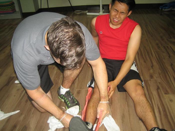 zárt térd sérülés hemarthrosis