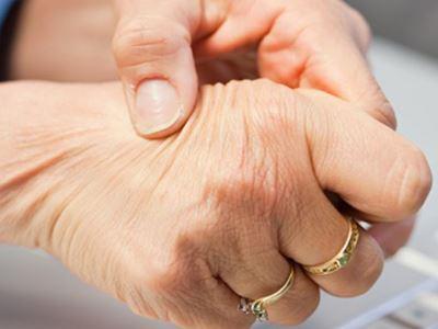 az ujjak ízületei fájnak az ujjakról)