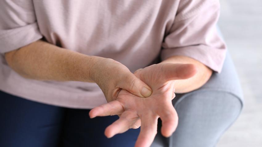 krónikus csukló fájdalom