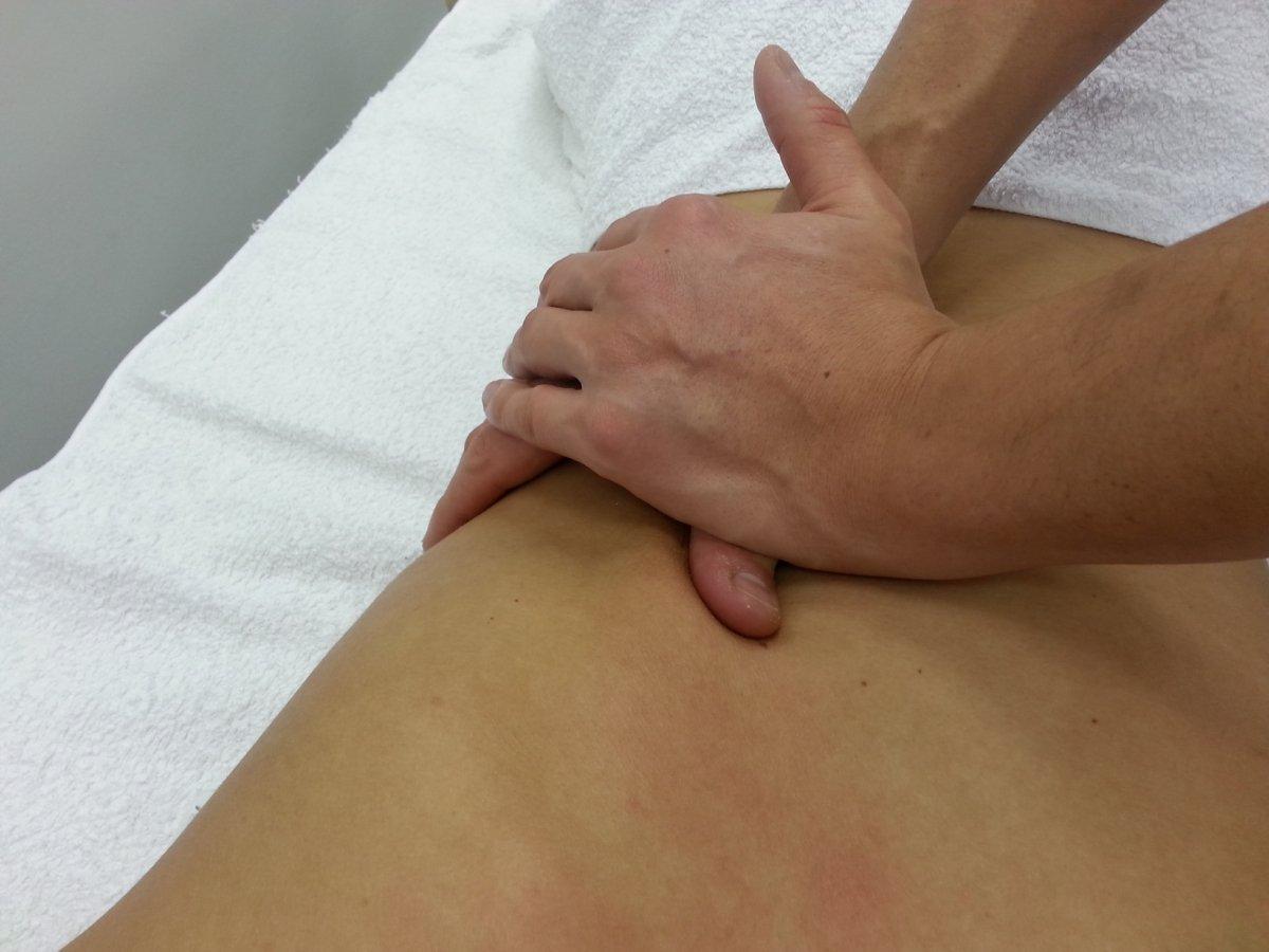 artrózis, amely deformálja a térdét)