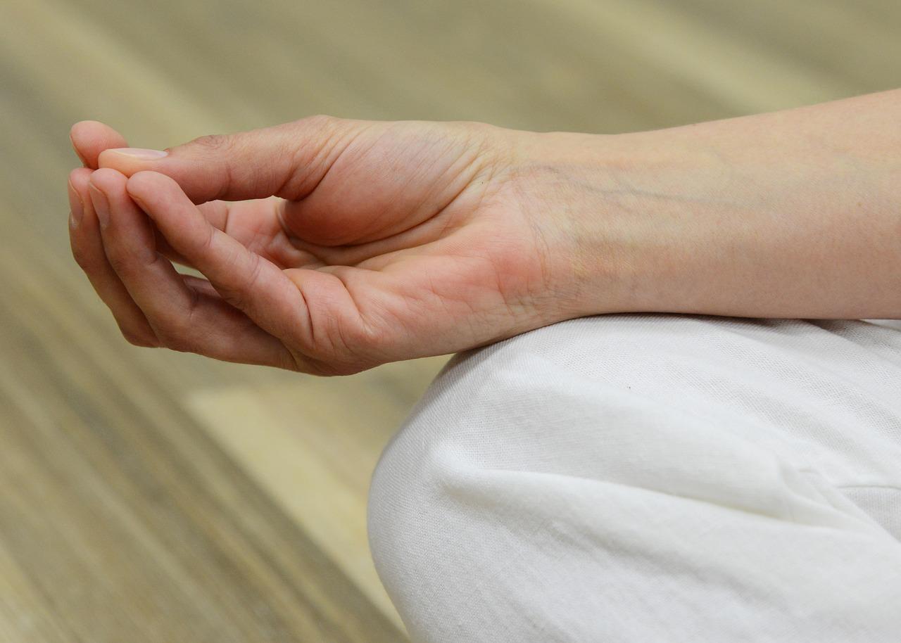 miért fáj az ujjak ízületei alvás után)