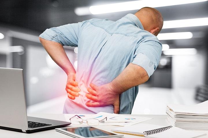 fájdalom a jobb térd hátán