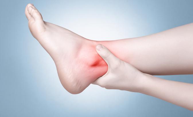 lábfájdalom a boka ha az ízületek repedéskezelése okoz