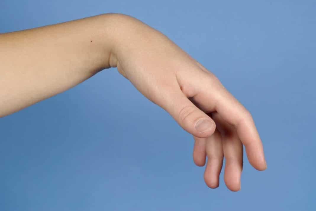 mi okozza a könyökízületben lévő kezek fájdalmát)