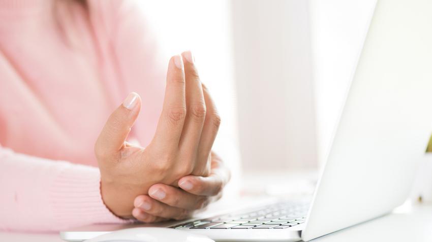 artrózis és térdízületi kezelés férfiaknál a kezek ízületi gyulladásának tünetei