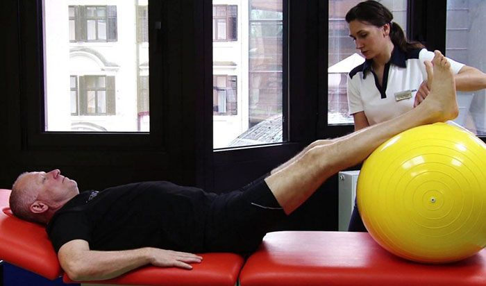 sántaság a csípőízület artrózisával)