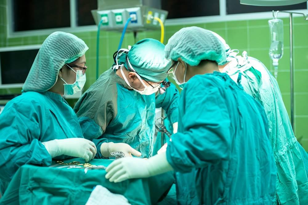 csípőpótló műtét után fájdalom fájdalom a jobb comb ízületében